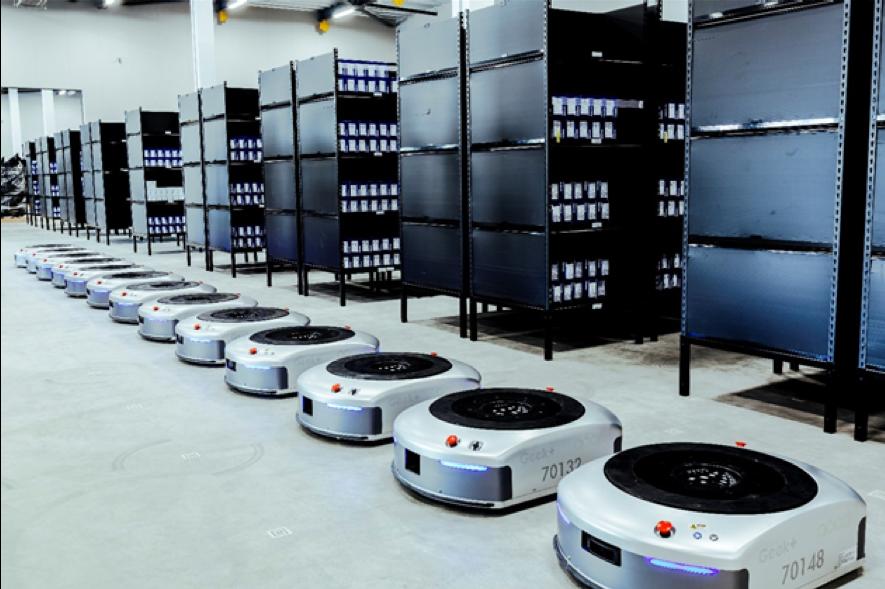 物流倉庫のロボット化が進む