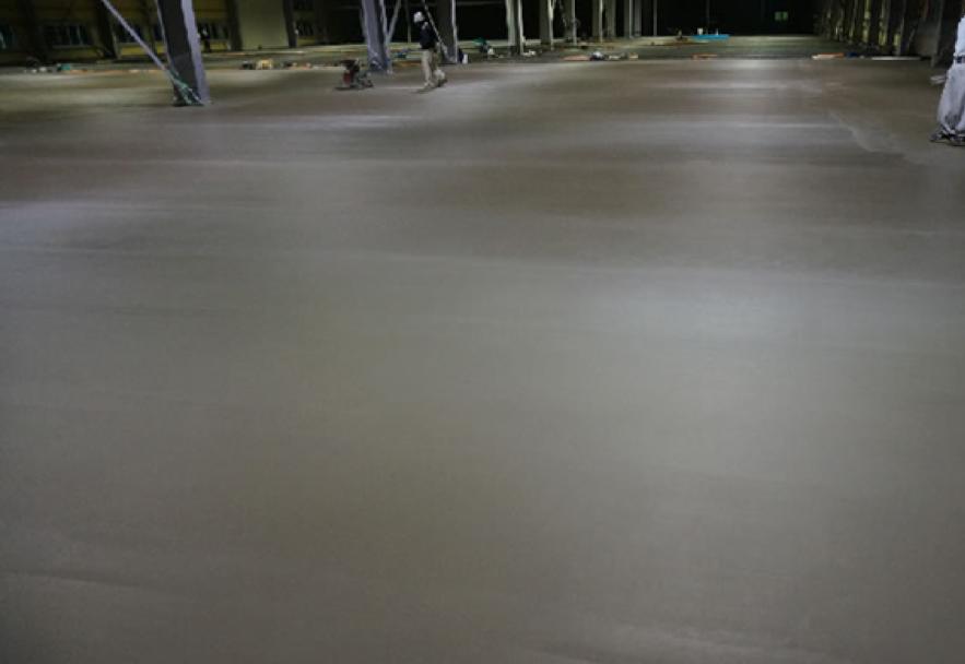 フロアエージェントが施工した物流倉庫のコンクリート床